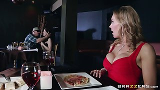 Naughty forty Tanya Tate drops on will not hear of knees to give addict to a unfamiliar