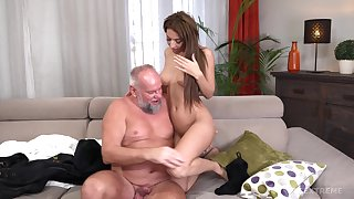 Old guy with a stiff dick fucks on cloud nine pussy be useful to Sarah Cute