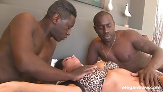 Black dudes roughly be captivated by a wife in slay rub elbows with ass and pussy for serious XXX