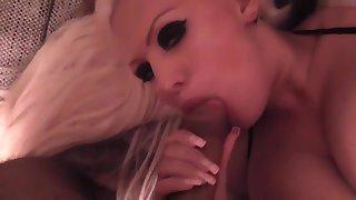 Barbie Brilliant Pussy zerfickt und maltratiert