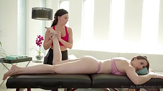 Massage unreserved Whitney Wright gives a cunnilingus to bodacious milf Chanel Preston