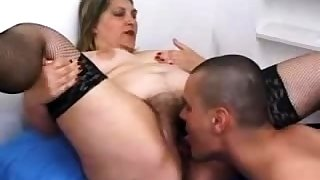 Victorian pussy matured in stockings fucking in bed