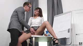 Secretary Katty Blessed drops on her knees to beguile her boss